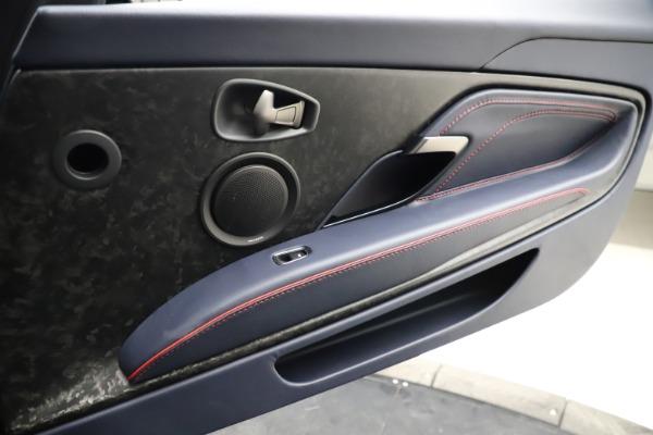 New 2021 Aston Martin DBS Superleggera Volante for sale $402,286 at Alfa Romeo of Westport in Westport CT 06880 25