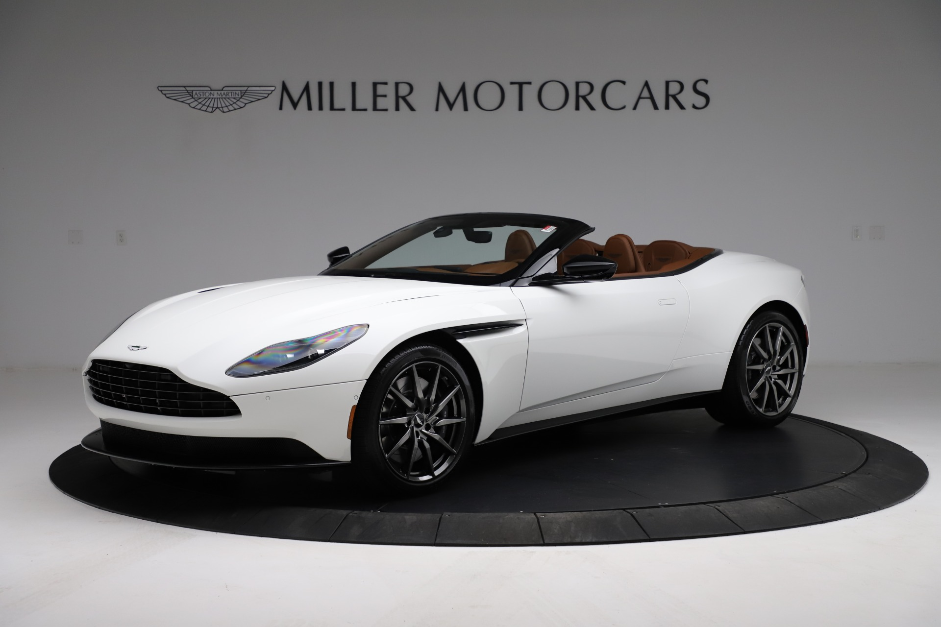 New 2021 Aston Martin DB11 Volante Convertible for sale $269,486 at Alfa Romeo of Westport in Westport CT 06880 1