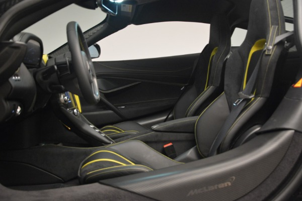 Used 2018 McLaren 720S Performance for sale $234,900 at Alfa Romeo of Westport in Westport CT 06880 19