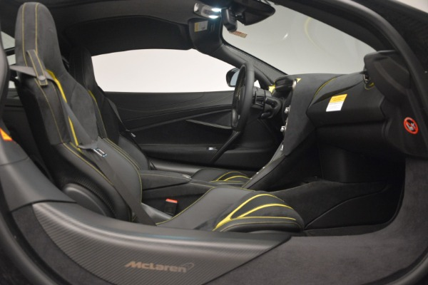 Used 2018 McLaren 720S Performance for sale $234,900 at Alfa Romeo of Westport in Westport CT 06880 22