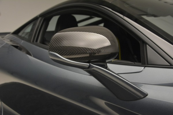 Used 2018 McLaren 720S Performance for sale $234,900 at Alfa Romeo of Westport in Westport CT 06880 25