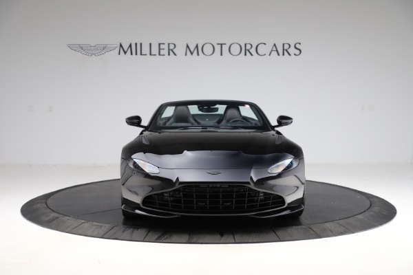 New 2021 Aston Martin Vantage Roadster Convertible for sale $189,186 at Alfa Romeo of Westport in Westport CT 06880 11