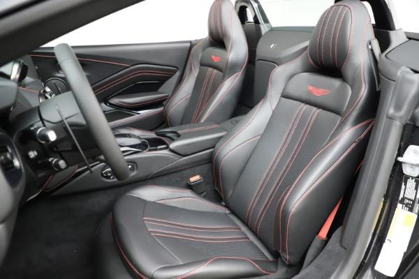 New 2021 Aston Martin Vantage Roadster Convertible for sale $189,186 at Alfa Romeo of Westport in Westport CT 06880 15