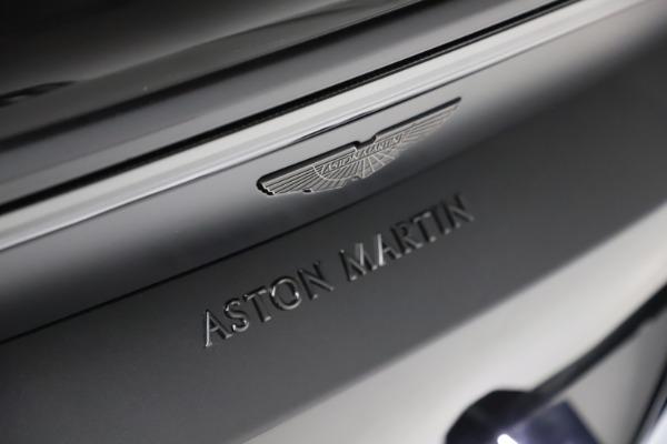 New 2021 Aston Martin Vantage Roadster Convertible for sale $189,186 at Alfa Romeo of Westport in Westport CT 06880 21