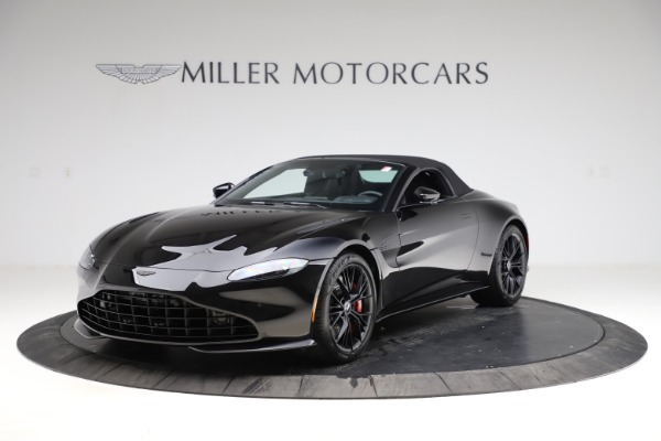 New 2021 Aston Martin Vantage Roadster Convertible for sale $189,186 at Alfa Romeo of Westport in Westport CT 06880 27