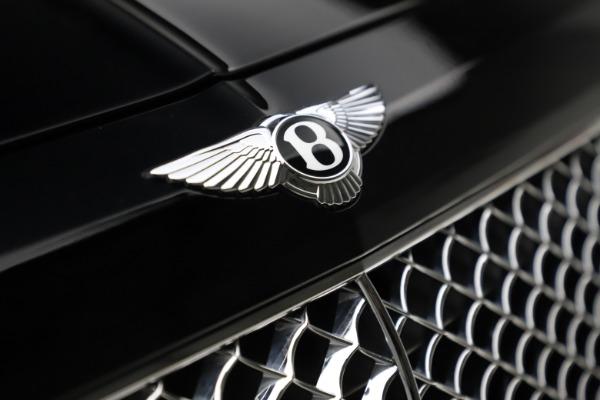 Used 2018 Bentley Bentayga W12 Signature for sale $154,900 at Alfa Romeo of Westport in Westport CT 06880 15