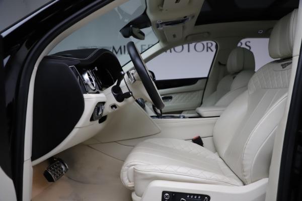 Used 2018 Bentley Bentayga W12 Signature for sale $154,900 at Alfa Romeo of Westport in Westport CT 06880 19