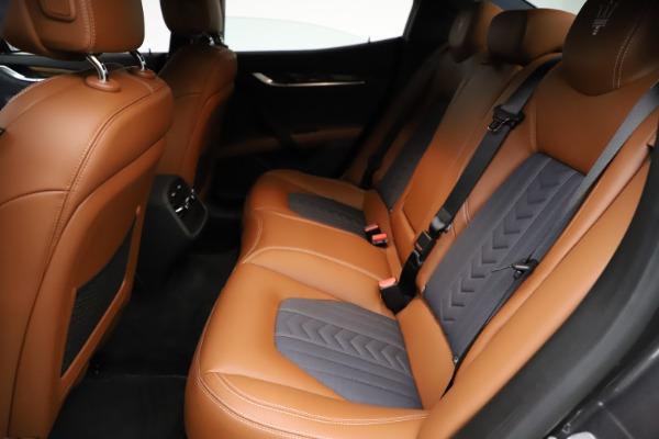 Used 2018 Maserati Ghibli SQ4 GranLusso for sale $51,900 at Alfa Romeo of Westport in Westport CT 06880 18