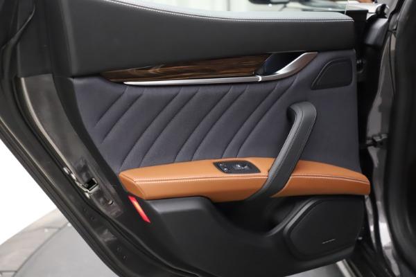 Used 2018 Maserati Ghibli SQ4 GranLusso for sale $51,900 at Alfa Romeo of Westport in Westport CT 06880 20