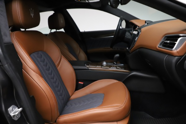 Used 2018 Maserati Ghibli SQ4 GranLusso for sale $51,900 at Alfa Romeo of Westport in Westport CT 06880 22