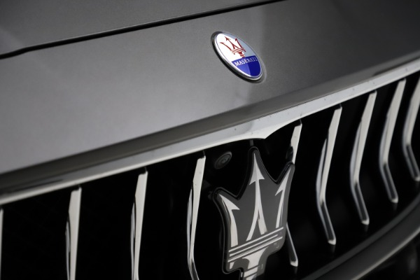 Used 2018 Maserati Ghibli SQ4 GranLusso for sale $51,900 at Alfa Romeo of Westport in Westport CT 06880 28