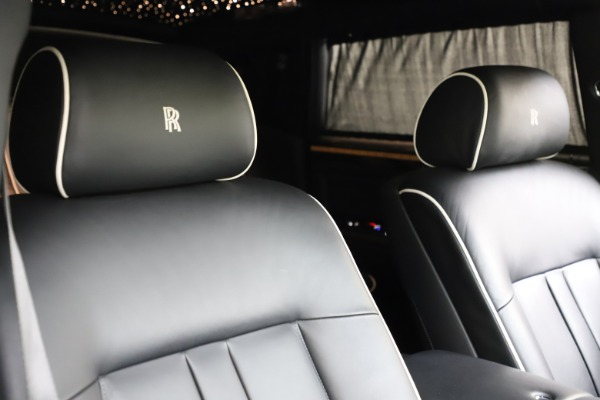 Used 2015 Rolls-Royce Phantom EWB for sale $289,900 at Alfa Romeo of Westport in Westport CT 06880 11
