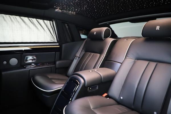 Used 2015 Rolls-Royce Phantom EWB for sale $299,900 at Alfa Romeo of Westport in Westport CT 06880 14
