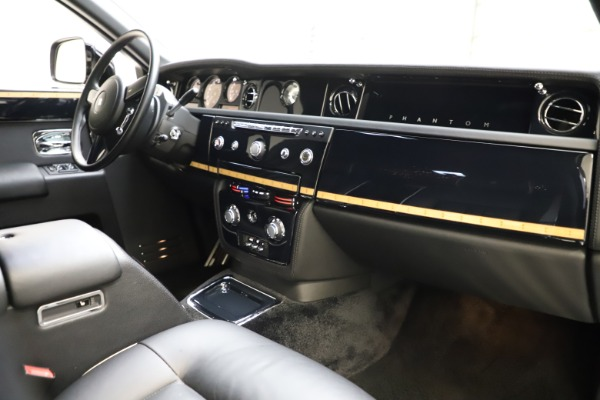 Used 2015 Rolls-Royce Phantom EWB for sale $299,900 at Alfa Romeo of Westport in Westport CT 06880 22