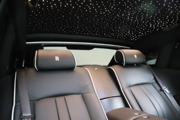 Used 2015 Rolls-Royce Phantom EWB for sale $299,900 at Alfa Romeo of Westport in Westport CT 06880 25