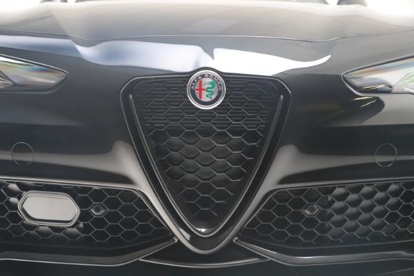 New 2021 Alfa Romeo Giulia Ti Sport Q4 for sale $56,300 at Alfa Romeo of Westport in Westport CT 06880 13