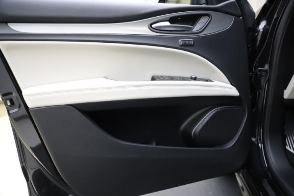 New 2021 Alfa Romeo Stelvio Ti Sport Q4 for sale $54,950 at Alfa Romeo of Westport in Westport CT 06880 17