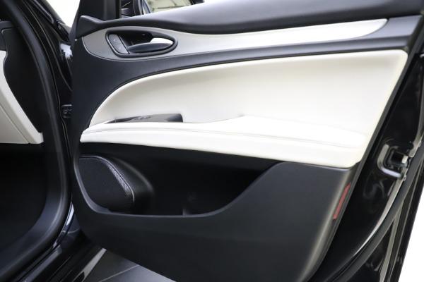New 2021 Alfa Romeo Stelvio Ti Sport Q4 for sale $54,950 at Alfa Romeo of Westport in Westport CT 06880 25