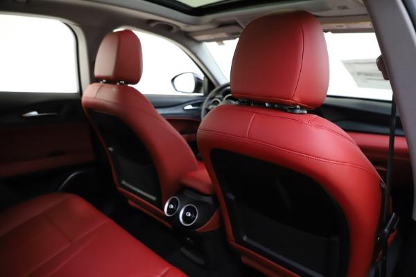 New 2021 Alfa Romeo Stelvio Q4 for sale $48,645 at Alfa Romeo of Westport in Westport CT 06880 27