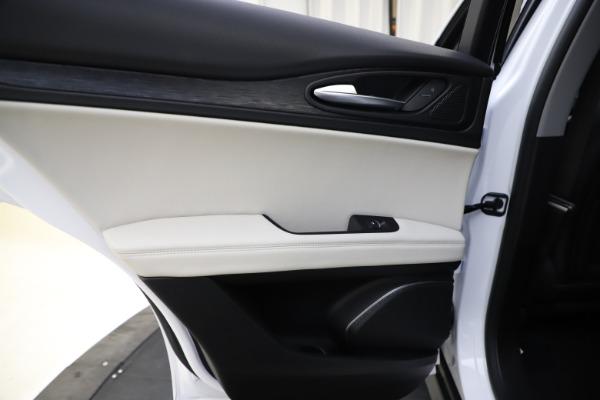New 2021 Alfa Romeo Stelvio Q4 for sale $47,985 at Alfa Romeo of Westport in Westport CT 06880 21