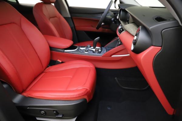 New 2021 Alfa Romeo Stelvio Q4 for sale $48,050 at Alfa Romeo of Westport in Westport CT 06880 24