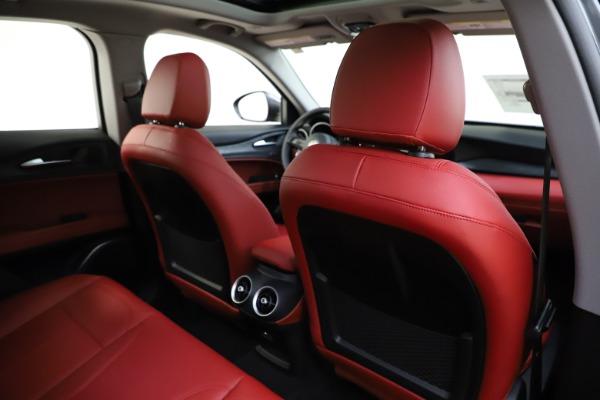 New 2021 Alfa Romeo Stelvio Q4 for sale $48,050 at Alfa Romeo of Westport in Westport CT 06880 28