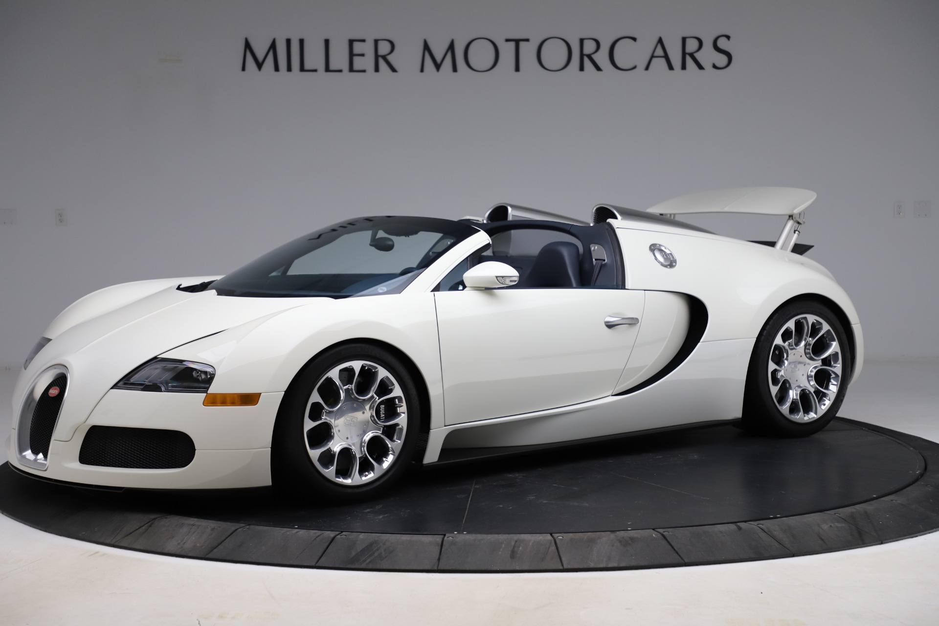 Used 2010 Bugatti Veyron 16.4 Grand Sport for sale Call for price at Alfa Romeo of Westport in Westport CT 06880 1