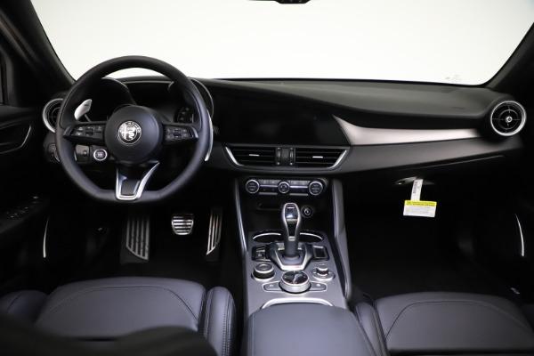 New 2021 Alfa Romeo Giulia Ti Sport Q4 for sale $53,850 at Alfa Romeo of Westport in Westport CT 06880 17