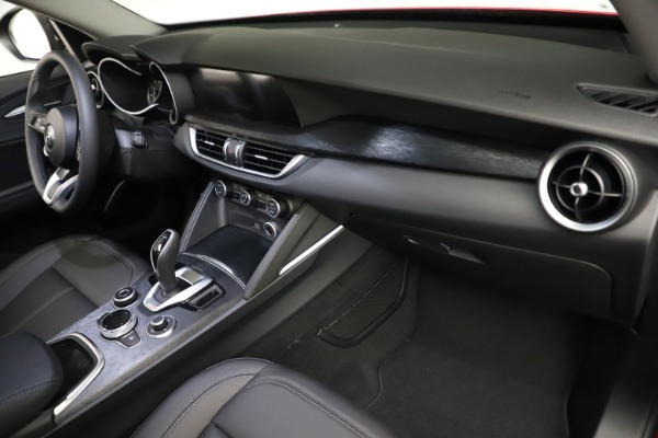 New 2021 Alfa Romeo Stelvio Q4 for sale $50,535 at Alfa Romeo of Westport in Westport CT 06880 21
