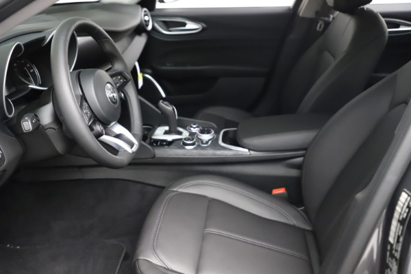 New 2021 Alfa Romeo Giulia Q4 for sale $46,895 at Alfa Romeo of Westport in Westport CT 06880 14
