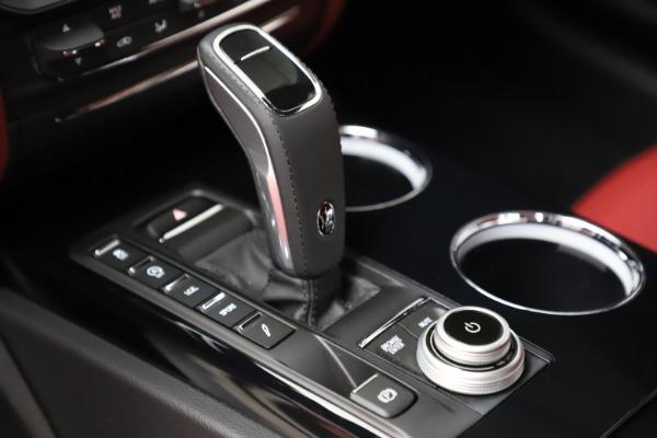 New 2021 Maserati Quattroporte S Q4 GranLusso for sale $122,349 at Alfa Romeo of Westport in Westport CT 06880 17