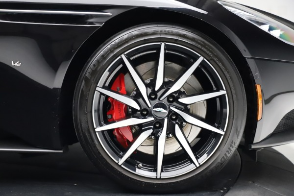Used 2018 Aston Martin DB11 V12 for sale $159,990 at Alfa Romeo of Westport in Westport CT 06880 19