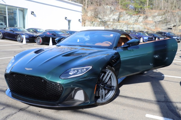 New 2021 Aston Martin DBS Superleggera Volante for sale $392,916 at Alfa Romeo of Westport in Westport CT 06880 26