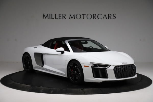 Used 2018 Audi R8 Spyder for sale $154,900 at Alfa Romeo of Westport in Westport CT 06880 14