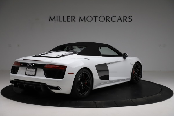 Used 2018 Audi R8 Spyder for sale $154,900 at Alfa Romeo of Westport in Westport CT 06880 17
