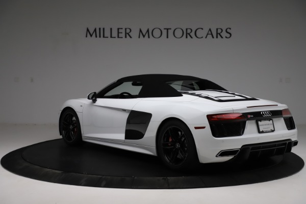 Used 2018 Audi R8 Spyder for sale $154,900 at Alfa Romeo of Westport in Westport CT 06880 18
