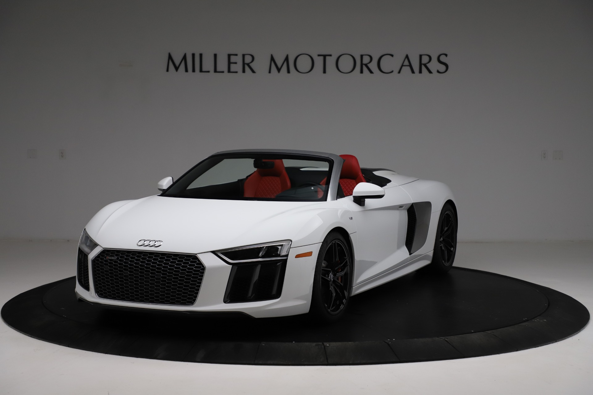 Used 2018 Audi R8 Spyder for sale $154,900 at Alfa Romeo of Westport in Westport CT 06880 1