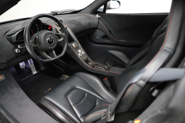 Used 2016 McLaren 675LT Spider for sale $275,900 at Alfa Romeo of Westport in Westport CT 06880 22