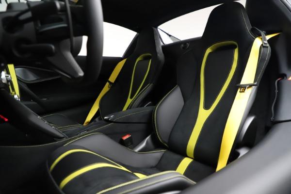 New 2021 McLaren 720S Spider for sale $351,450 at Alfa Romeo of Westport in Westport CT 06880 25