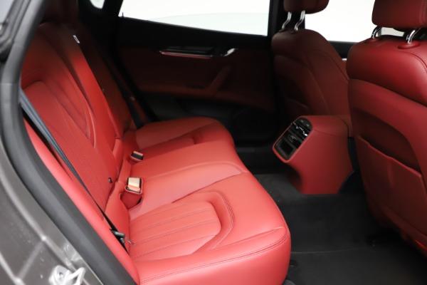 New 2021 Maserati Quattroporte S Q4 GranLusso for sale $122,435 at Alfa Romeo of Westport in Westport CT 06880 24
