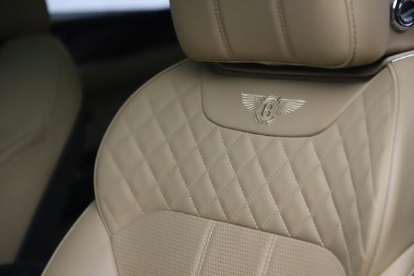 Used 2018 Bentley Bentayga W12 Signature for sale $159,900 at Alfa Romeo of Westport in Westport CT 06880 19