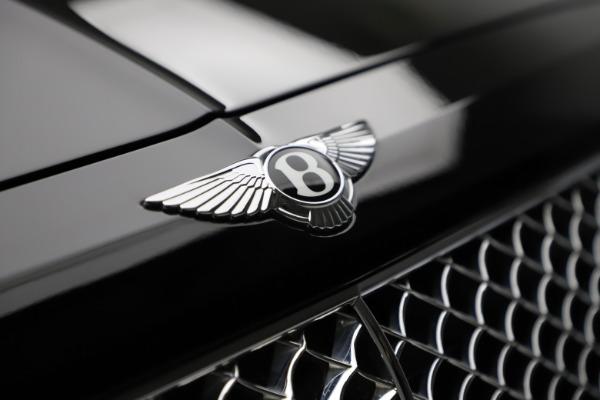 Used 2018 Bentley Bentayga W12 Signature for sale $153,900 at Alfa Romeo of Westport in Westport CT 06880 15