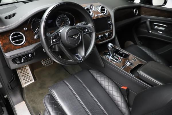 Used 2018 Bentley Bentayga W12 Signature for sale $153,900 at Alfa Romeo of Westport in Westport CT 06880 18