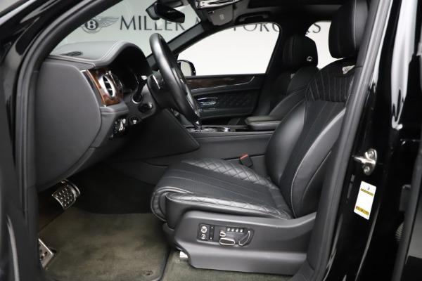 Used 2018 Bentley Bentayga W12 Signature for sale $153,900 at Alfa Romeo of Westport in Westport CT 06880 19