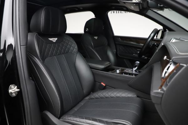 Used 2018 Bentley Bentayga W12 Signature for sale $153,900 at Alfa Romeo of Westport in Westport CT 06880 28