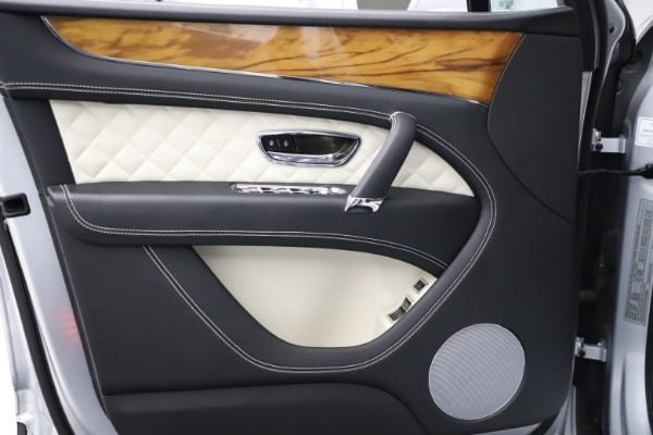 Used 2018 Bentley Bentayga Activity Edition for sale $146,900 at Alfa Romeo of Westport in Westport CT 06880 16