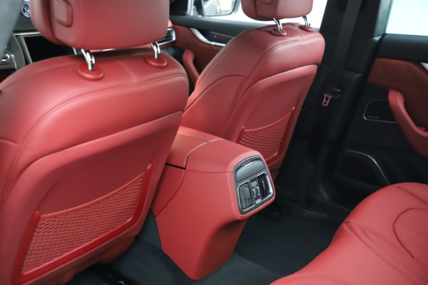 New 2021 Maserati Levante S Q4 GranLusso for sale $105,549 at Alfa Romeo of Westport in Westport CT 06880 17