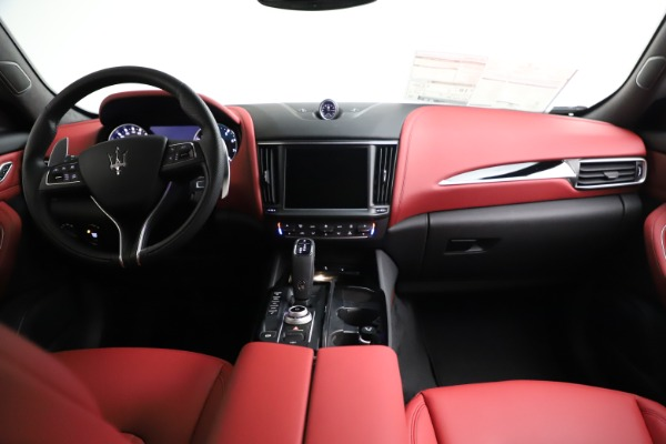 New 2021 Maserati Levante Q4 for sale $91,089 at Alfa Romeo of Westport in Westport CT 06880 16