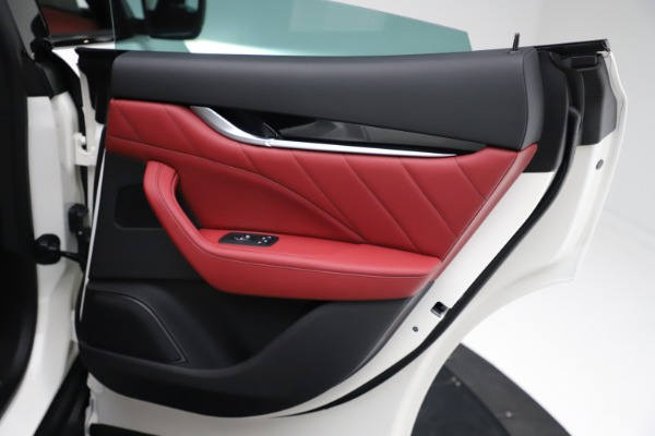 New 2021 Maserati Levante Q4 for sale $91,089 at Alfa Romeo of Westport in Westport CT 06880 24