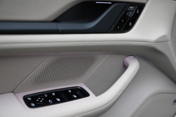 Used 2021 Porsche Taycan 4S for sale $125,900 at Alfa Romeo of Westport in Westport CT 06880 19
